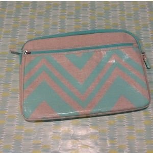 Chevron teal laptop case